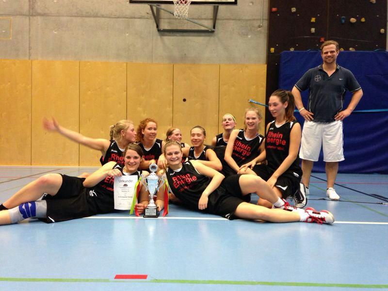 Die erste Damen des DTV konnte dieses Jahr den Kreispokal gewinnen.